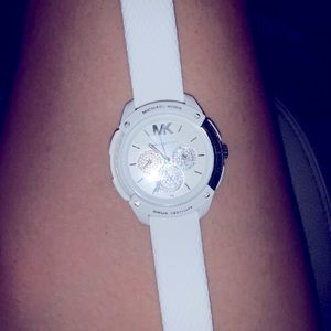 Mk crystal quartz watch